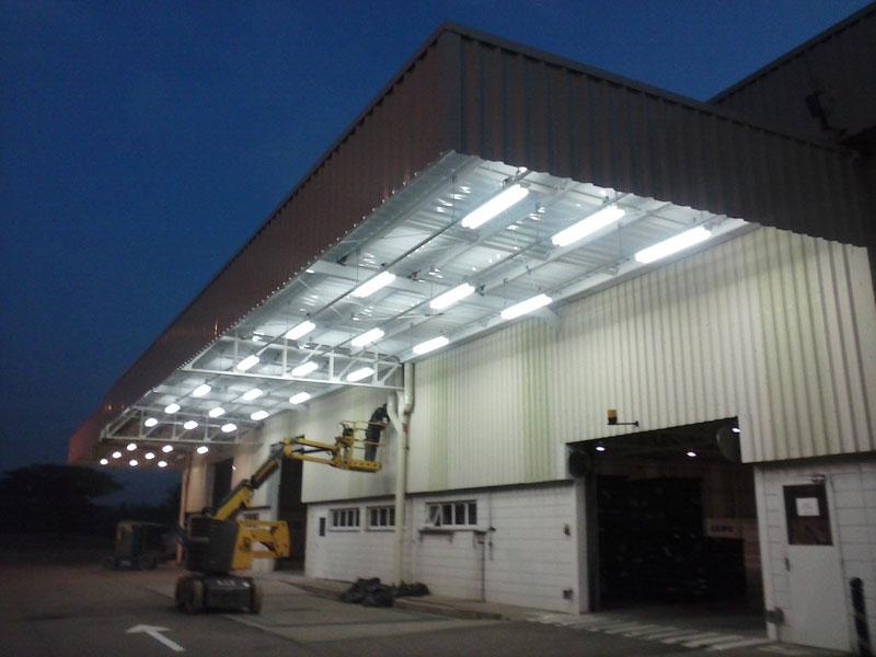Construção-de-marquise-e-instalação-de-luminárias3